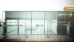 GlassHouseR6_Exterior_Railing3-EK64CD_9300_400CDsoftglowcombined
